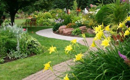 Как оформить садовый участок